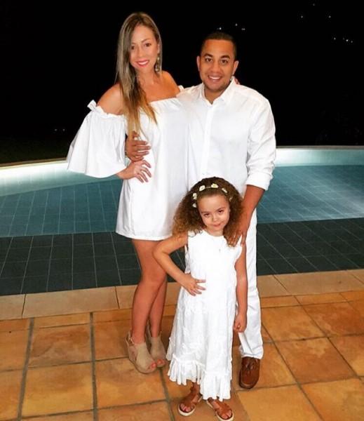 artistas vallenatos; Felipe pekaez y familia