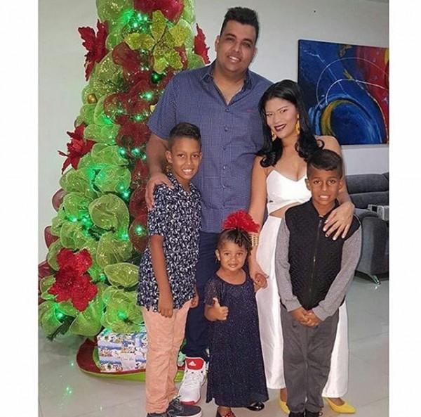 artistas vallenatos; Rolando ochoa y su familia