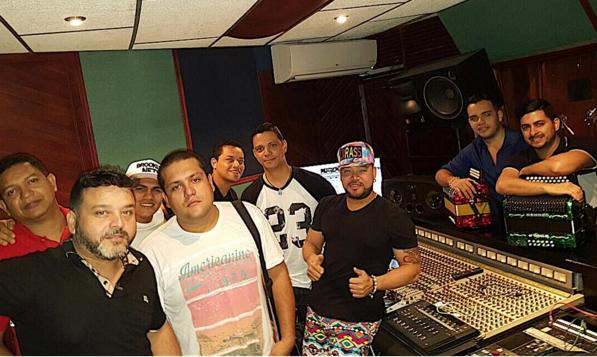 Rafa Perez ausente en los estudios de grabación.
