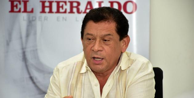 Emiliano Zuleta, avergonzado por beso entre Poncho y Silvestre