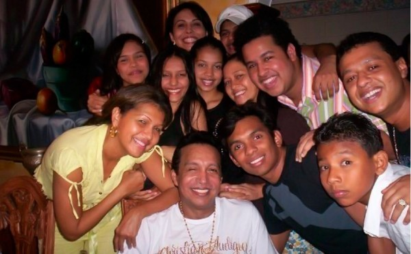 Diomedes Diaz y algunos de sus hijos