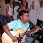 """Historia de la famosa canción """"Todo de cabeza"""" de Kaleth Morales"""