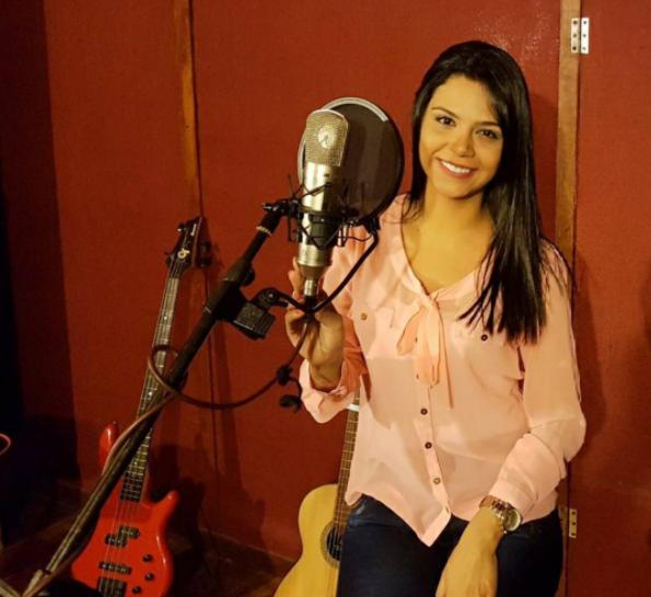 Dariana Díaz versión acústica de Así fue mi querer