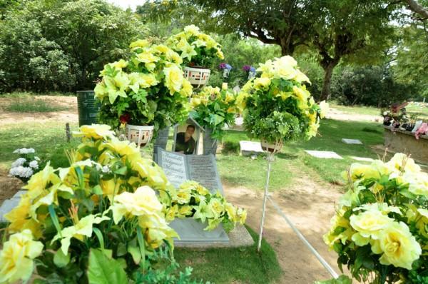 tumba-de-kaleth-morales-cementerio-jardines-del-ecce-homo-600x398