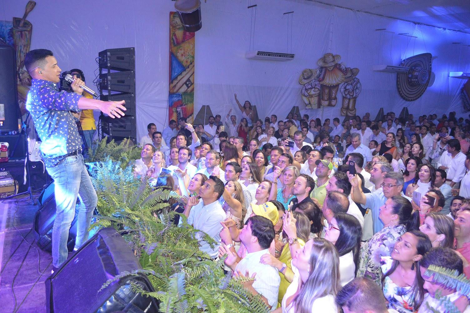 jorgito-fiesta-blanca-bbva