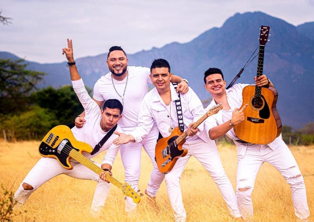 """Grupo """"Castillo´s"""" una propuesta para el rescate del vallenato en Guitarra"""